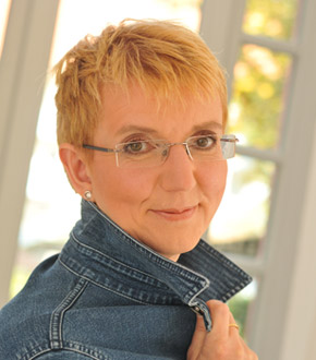 Dr. Birgit Puck