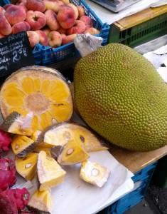 Durianfrucht auf dem Naschmarkt in Wien