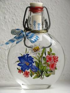 Flasche für Enzian-Brand, Foto: wikipedia