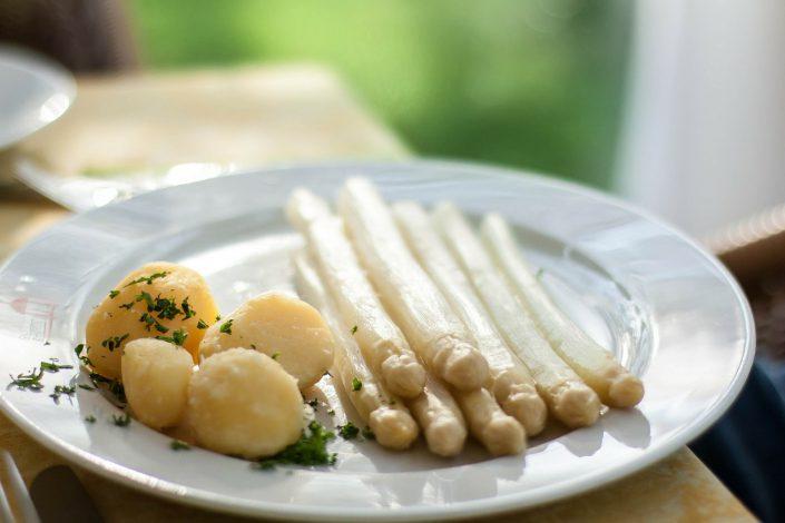 Spargel mit Butter