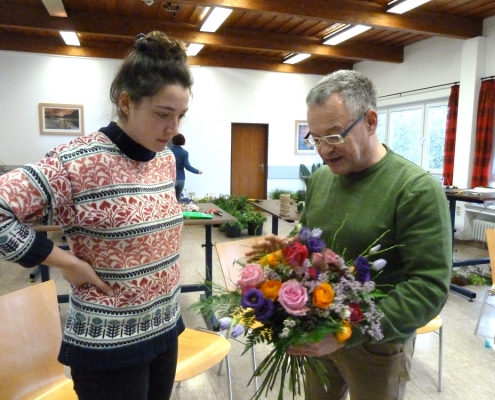 Fachwissen vermittelt der Floristikmeister Ulrich Klein