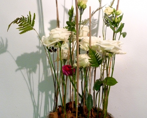 Blumengesteck, parallel gestaltet