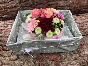 individuelle Geschenkverpackung, Blumen-Heitmann, der Blumenladen in Ascheberg, Foto Bernd Heitmann