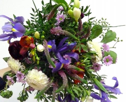 Die Kunst der Leichtigkeit, luftig gebundener Blumenstrauß