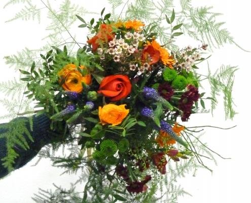 Einfacher Blumenstrauß, luftig leicht gebunden